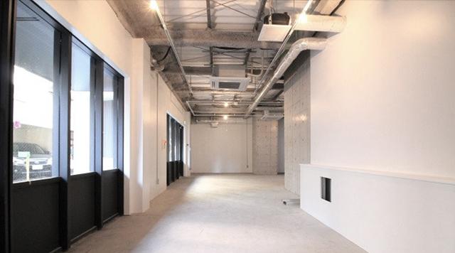 コンクリート打ち放し、躯体あらわしの天井、自由設計の貸店舗・貸事務所